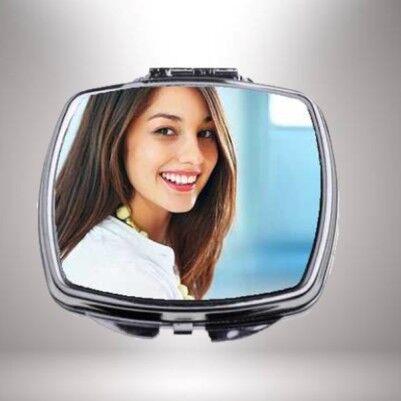 - Kişiye Özel Fotoğraflı Kare Makyaj Aynası
