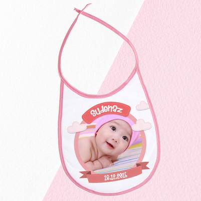 - Kız Bebekler İçin Fotoğraflı Mama Önlüğü