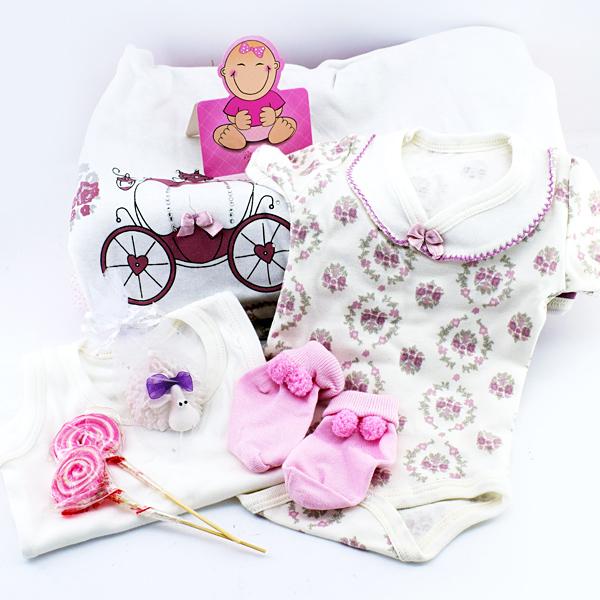 Kız Bebeklere Özel Dolu Dolu Hediye Sepeti