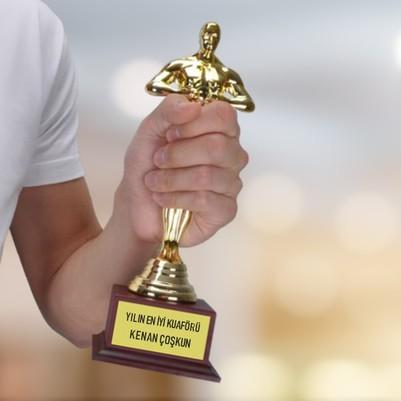 - Kuaföre Hediye Oscar Ödülü