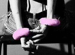 Kürklü Aşk Kelepçeleri - Thumbnail