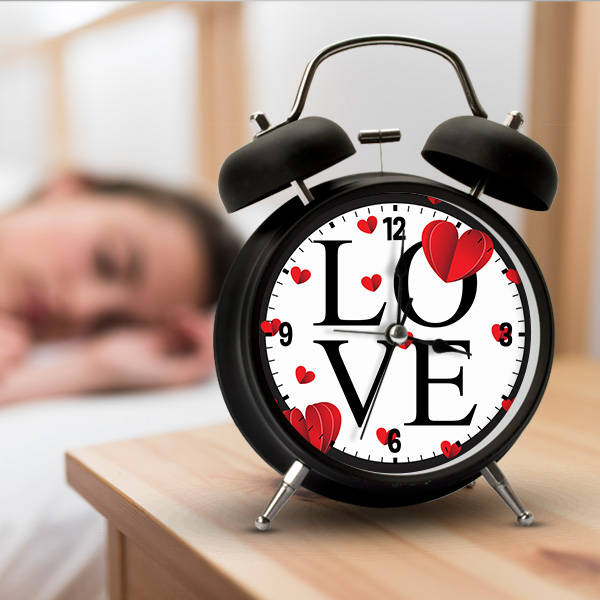 Love Tasarımlı Romantik Çalar Saat
