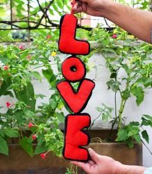LOVE Yazılı Peluş Süs - Thumbnail
