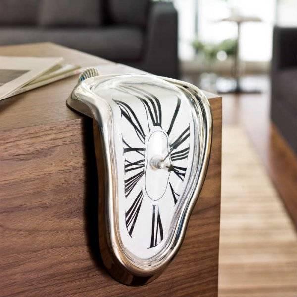 Melting Clock- Eriyen Saat