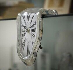 Melting Clock- Eriyen Saat - Thumbnail