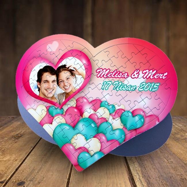 Mutlu Sevgililer 99 Parça Kalp Puzzle