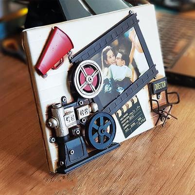 - Nostaljik Film Makinesi Resim Çerçevesi