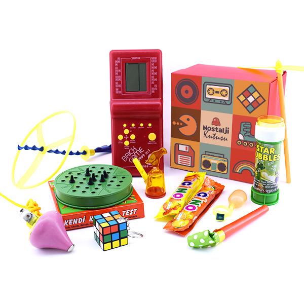 Nostaljik Oyuncaklar Hediye Sepeti
