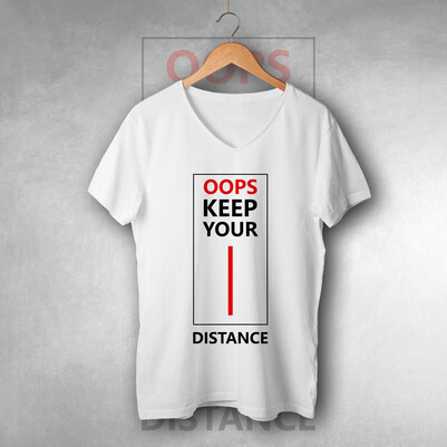 Oops Keep Your Distance Unisex Tişört - Thumbnail