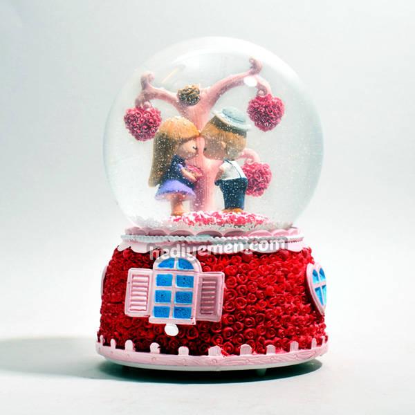 Özel Tasarım Romantik Kar Küresi KB24