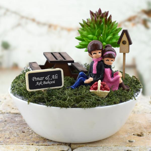 Piknikçi Sevgililer Minyatür Bahçe