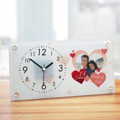 - Sevgililer Günü Hatırası Cam Masa Saati