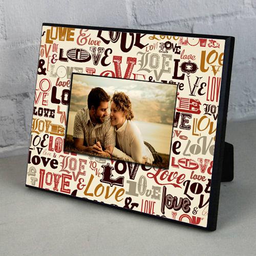Sevgililer İçin Love Desenli Resim Çerçevesi
