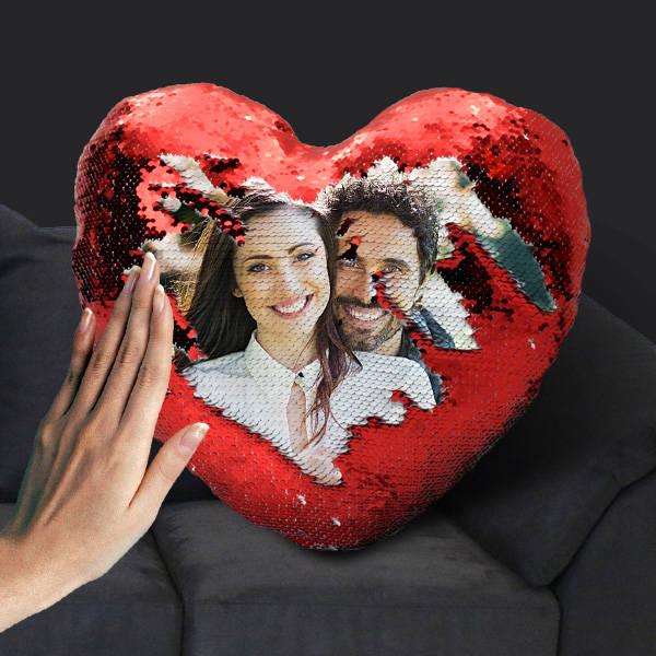 Sevgililere Özel Fotoğraflı Sihirli Kalp Yastık
