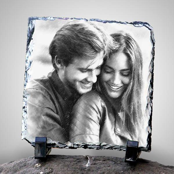 Sevgililere Özel Karakalem Efektli Taş Baskı