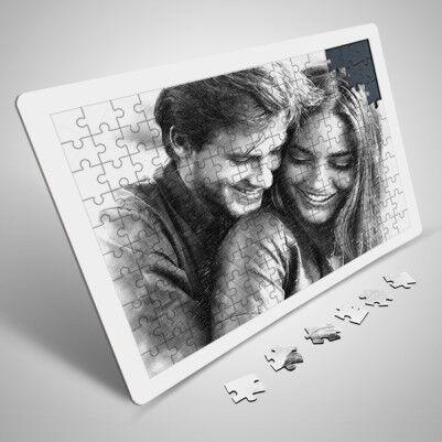 - Sevgililere Özel Karakalem Resim Efektli Puzzle