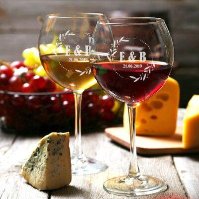 - Sevgililere Özel Tarihli Şarap Kadehleri