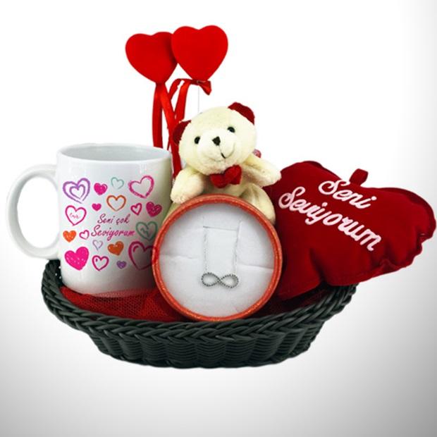 Sevgilime Özel Aşk Dolu Hediye Sepeti