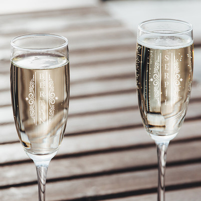 - Sevgiliye Yılbaşı Hediyesi 2'li Şampanya Kadehi