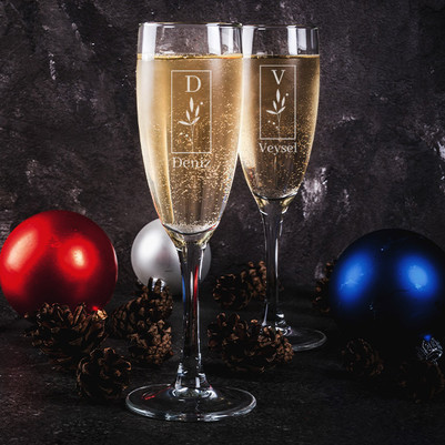 - Sevgiliye Yıldönümü Hediyesi 2'li Şampanya Kadehi