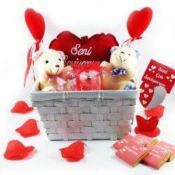 - Sevgiliye Özel Romantik Aşıklar Hediye Sepeti