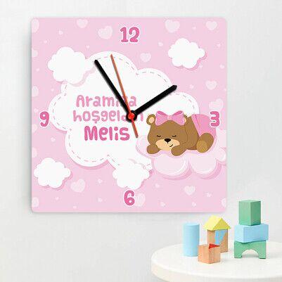 - Sevimli Ayıcık Kız Bebek Duvar Saati