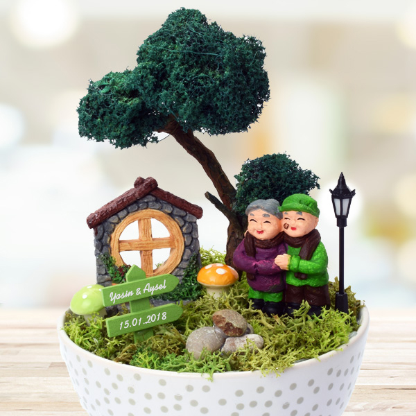 Sevimli Çiftler İsme Özel Minyatür Bahçe