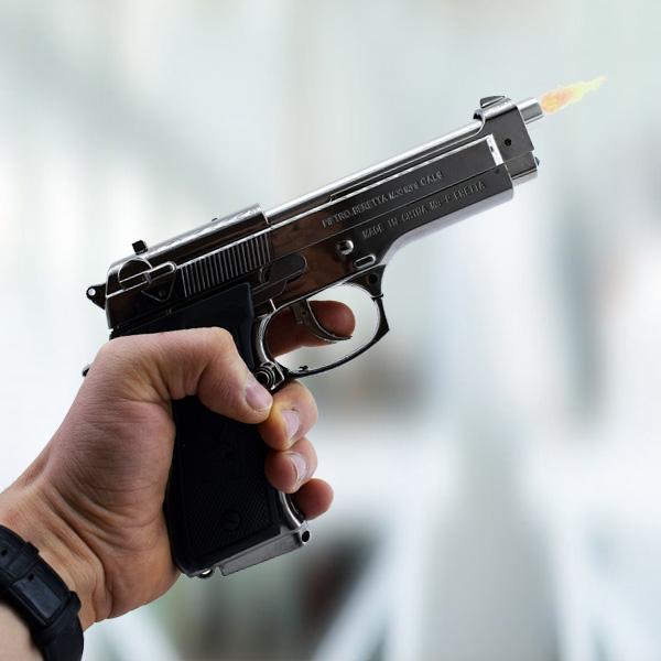 Silah Şeklinde Çakmak