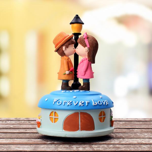 Sokak Lambası Altında Ponçik Sevgililer Müzikli Biblo