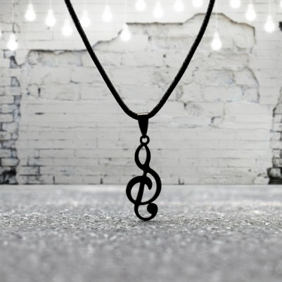 - Sol Anahtarı Şeklinde Metal Kolye