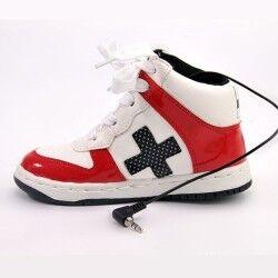 - Spor Ayakkabı Şeklinde Hoparlör