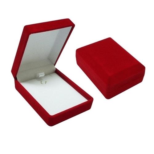 Taş Süslemeli Gümüş Kalp Kolye
