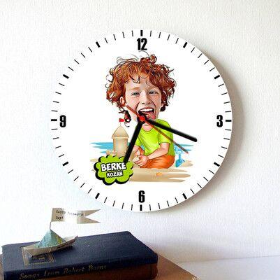 - Tatil Çocuğu Karikatürlü Duvar Saati