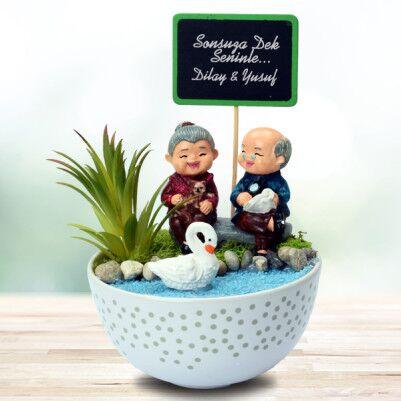 - Tontiş Yaşlı Aşıklar Temalı Minyatür Bahçe