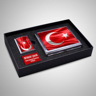 - Türk Bayrağı Sigara Tabakası ve Çakmak