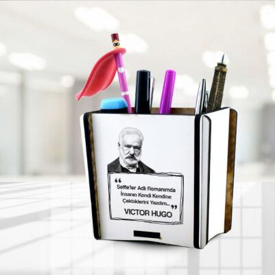 - Victor Hugo Esprili kalemlik