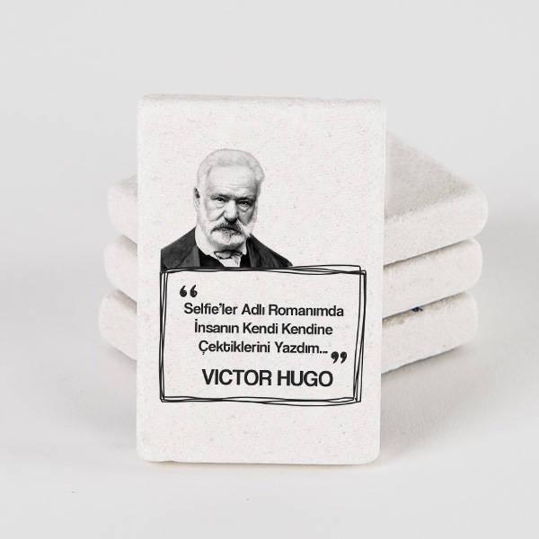 Victor Hugo Esprili Taş Buzdolabı Magneti