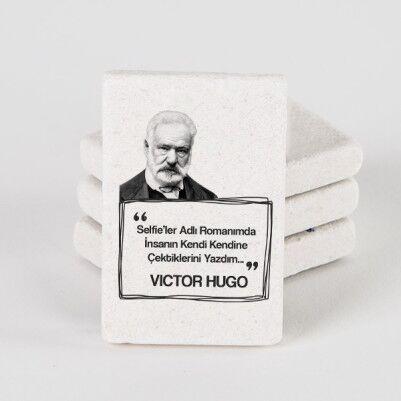 - Victor Hugo Esprili Taş Buzdolabı Magneti