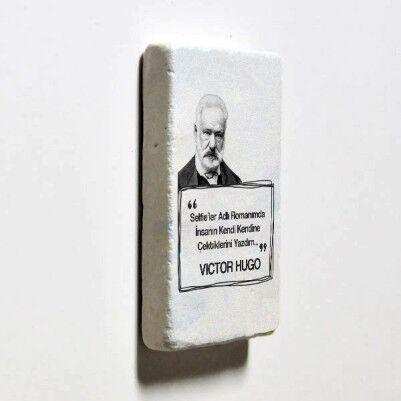 Victor Hugo Esprili Taş Buzdolabı Magneti - Thumbnail