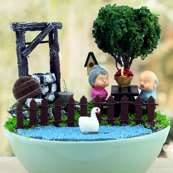 Yaşlı Çiftler Piknikte Mini Bahçe