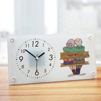 - Yaşlı Çiftler Tasarım Cam Masa Saati