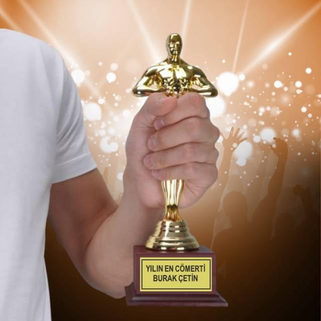 Yılın En Cömerti İsme Özel Oscar Ödülü