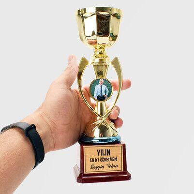 - Yılın En İyi Öğretmeni Fotoğraflı Ödül