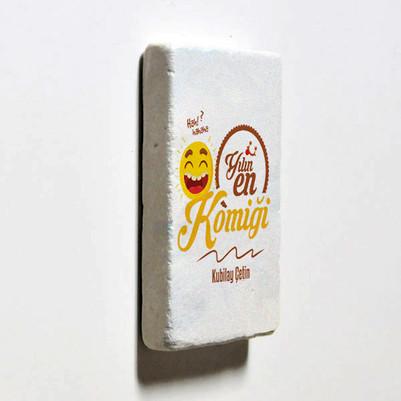 Yılın En Komiği İsme Özel Buzdolabı Magneti - Thumbnail
