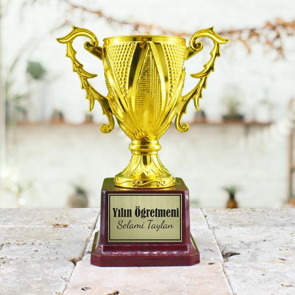 Yılın Öğretmeni Ödül Kupası