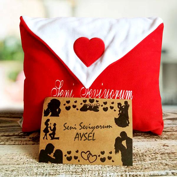 Zarf Şeklinde Mektuplu Aşk Yastığı